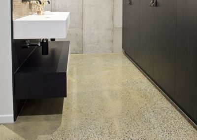 new-polished-concrete-brisbane-bathrrom