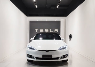 OzGrind-Polished-Concrete-Lloyd-Group-Tesla-Showroom-02